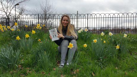 Růžena-Nekudová_s-knihou